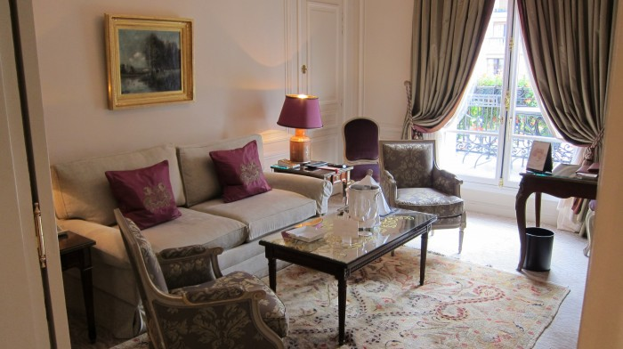 IMG 0692 700x392 Suite at Hotel Plaza Athne Paris