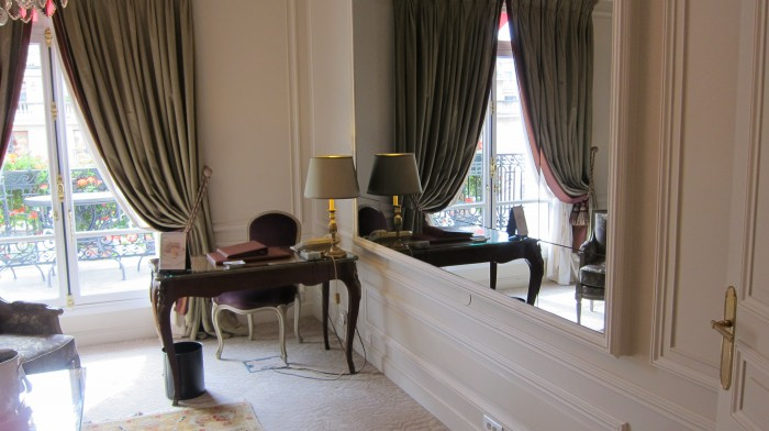IMG 0693 700x392 Suite at Hotel Plaza Athne Paris