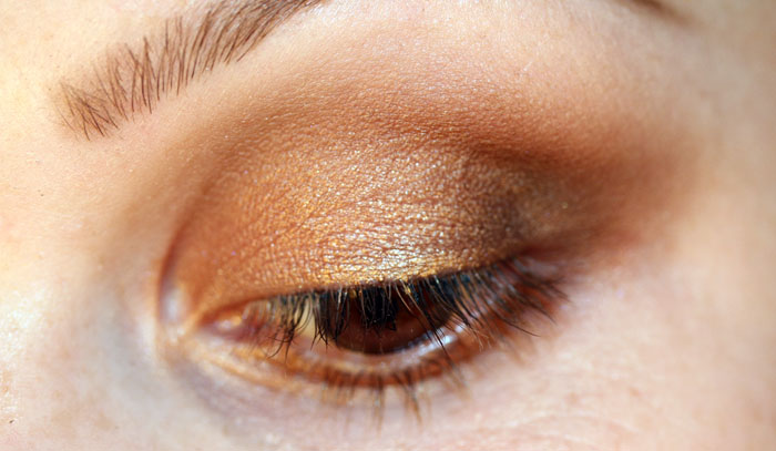 IMG 2670 copy Makeup Tutorial: Bronze with a sparkle of gold