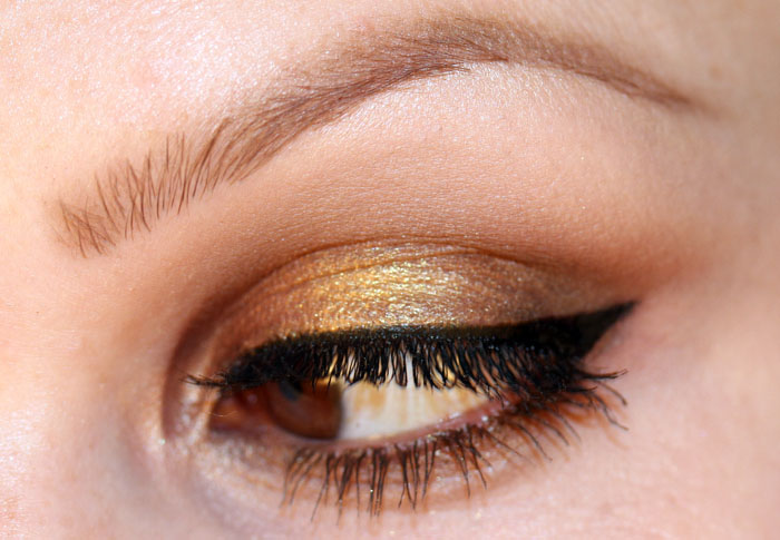 IMG 27051 Makeup Tutorial: Bronze with a sparkle of gold