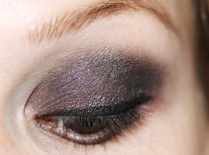 IMG 5446 A smokey Valentine´s look in blackish pink with Ombres Perles de Chanel 2011